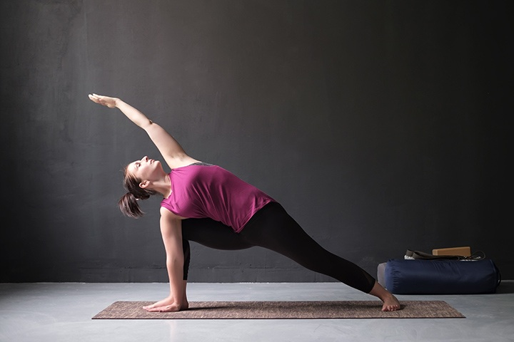extended side angle pose for pinched nerve