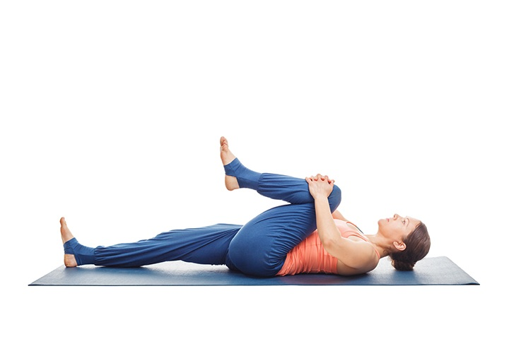 knee to chest stretch for low back pain