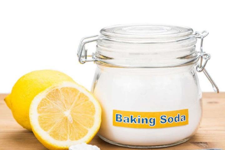 lemon and baking soda for dark elbows
