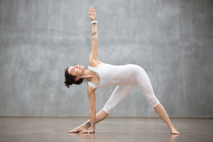 triangle pose for knee pain