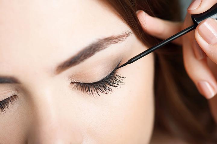 Applying Excessive Liner on the Bottom Eyelid