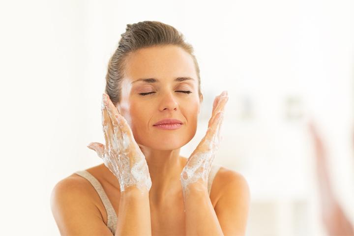 moisturizing cleanser