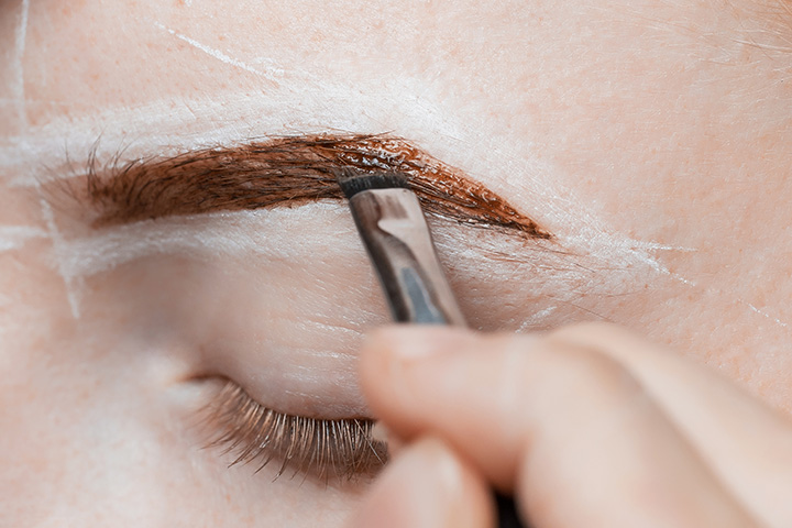 how to tint your eyebrows with henna