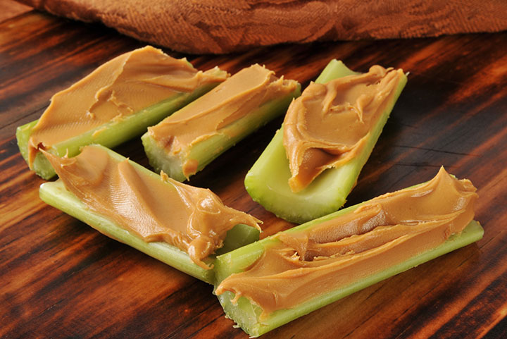 is peanut butter and celery low carb