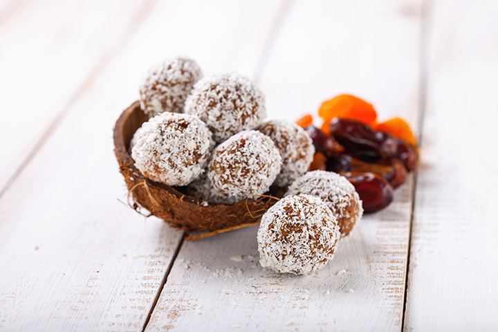 low carb coconut energy balls