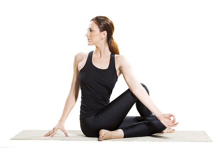 seated spinal twist for runners