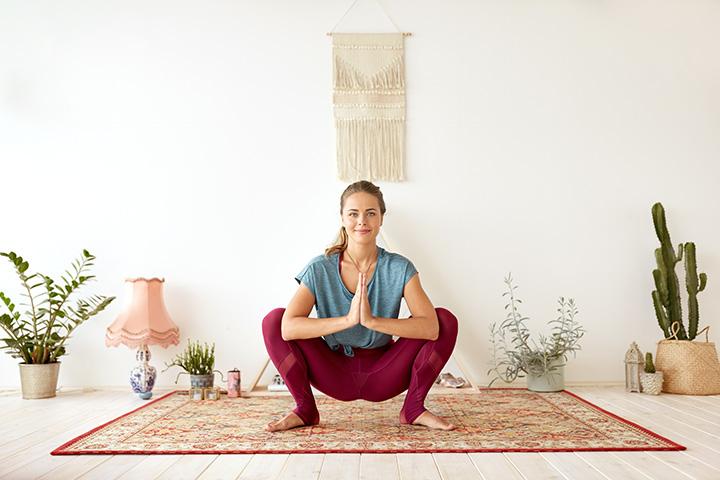 squatting pose for hemorrhoid relief