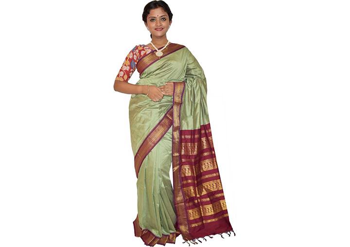 Embellished Gadwal Cotton Silk Saree (Light Green)