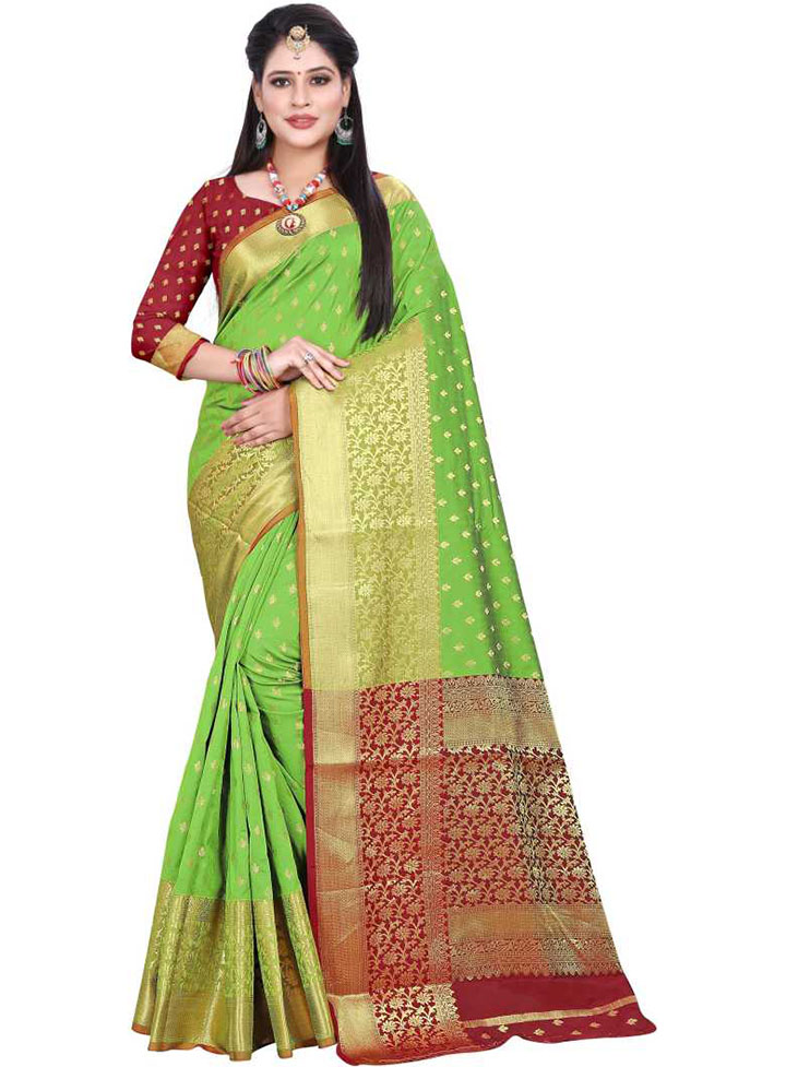Woven Kanjivaram Art Silk Saree (Light Green)