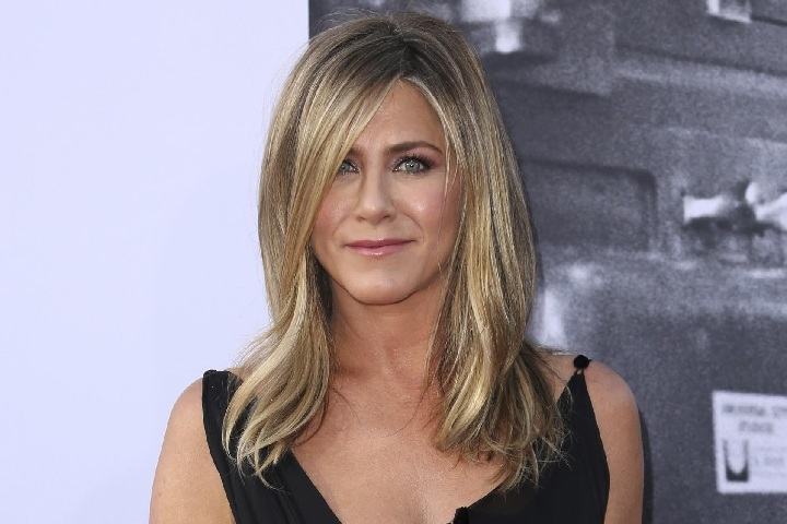 Jennifer Aniston – Height, Weight, Age, Movies & Family – Biography