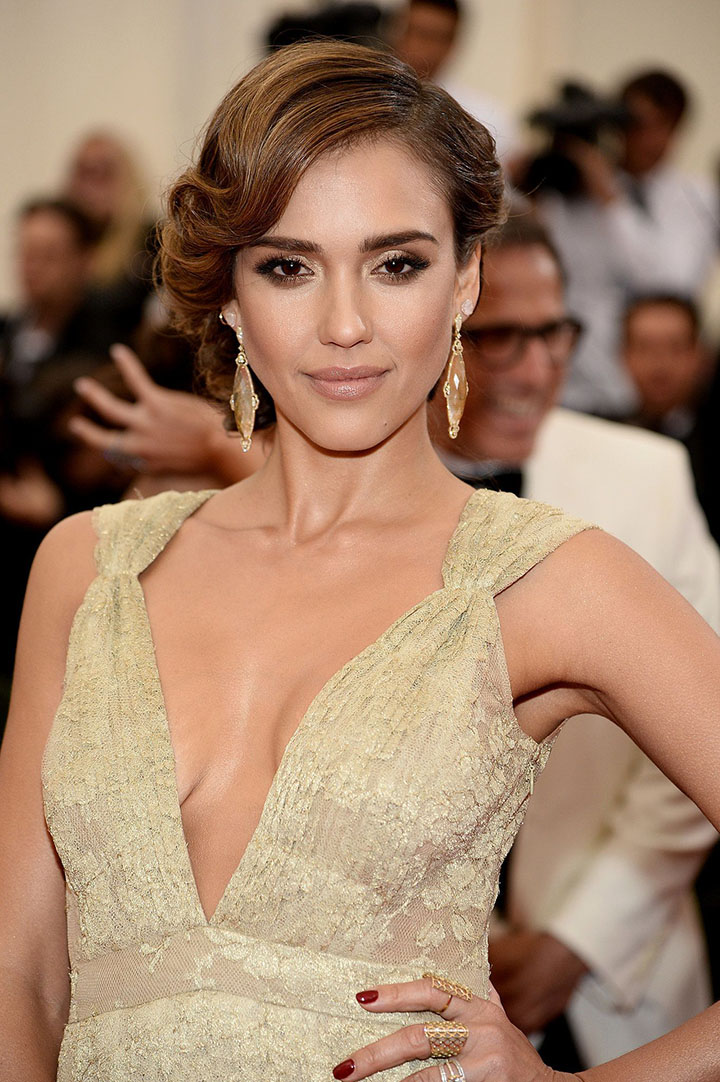 jessica alba interesting facts