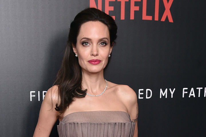 Angelina Jolie – Height, Weight, Age, Movies & Family – Biography
