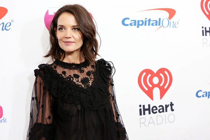 Katie Holmes – Height, Weight, Age, Movies & Family – Biography
