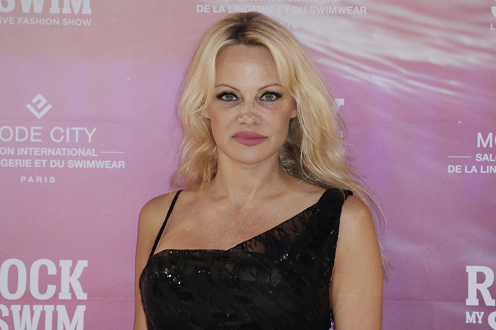 Pamela Anderson – Height, Weight, Age, Movies & Family – Biography