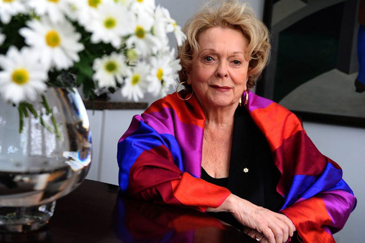 Shirley Douglas – Height, Weight, Age, Movies & Family – Biography