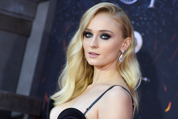 Sophie Turner – Height, Weight, Age, Movies & Family – Biography