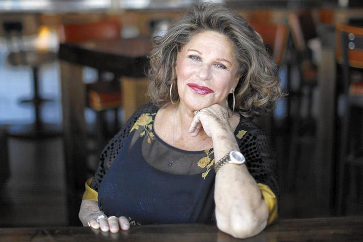 Lainie Kazan  – Height, Weight, Age, Movies & Family – Biography