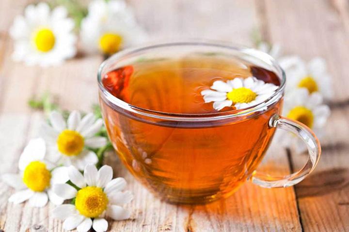 chamomile tea for hair lightening